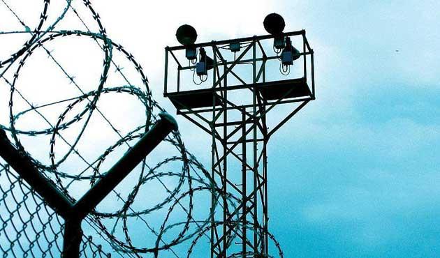 Polislere silah bıraktıran amire hapis talebi