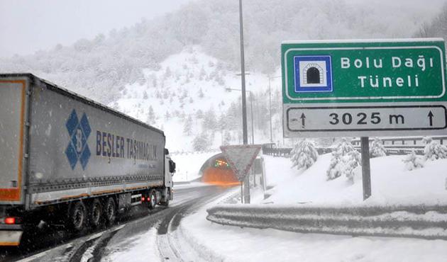 Bolu Dağı'nda yoğun kar yağışı   FOTO