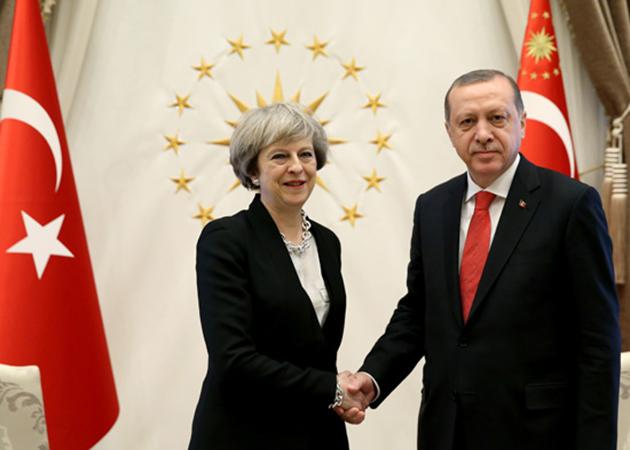 Erdoğan, İngiltere Başbakanı May'i kabul etti