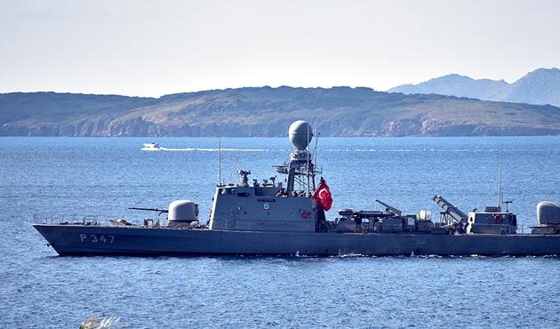 Türk ve Yunan Sahil Güvenlik ekipleri Kardak'ta bekliyor