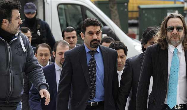 Yunanistan'da darbeci askerlerin tutukluluğu sürecek