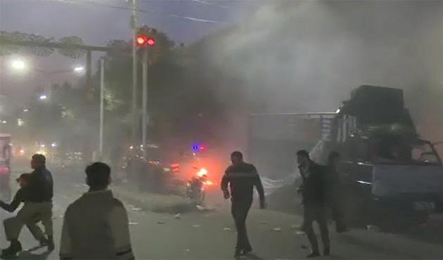 Lahor'da bombalı saldırı: 7 ölü 40 yaralı