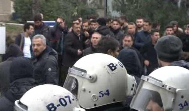 Marmara Üniversitesi önünde gerginlik!