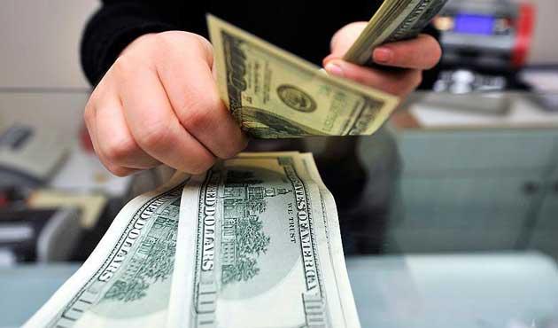 Dolar 2 ayın en düşük seviyesine geriledi