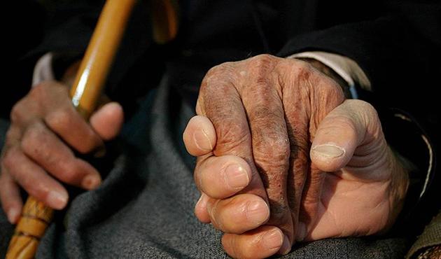 Az yemek yaşlanma sürecini yavaşlatıyor