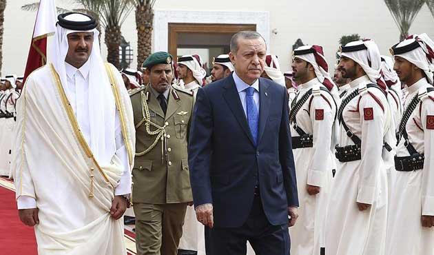 Erdoğan Katar'da resmi törenle karşılandı