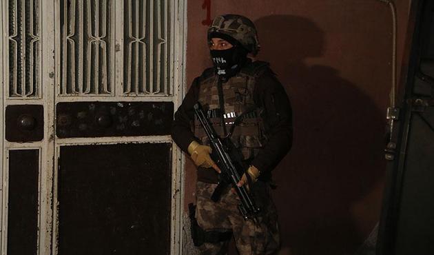 Adana'da PKK operasyonunda 10 gözaltı
