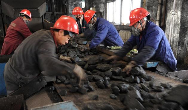 Çin, Kuzey Kore'den kömür ithalatını askıya aldı