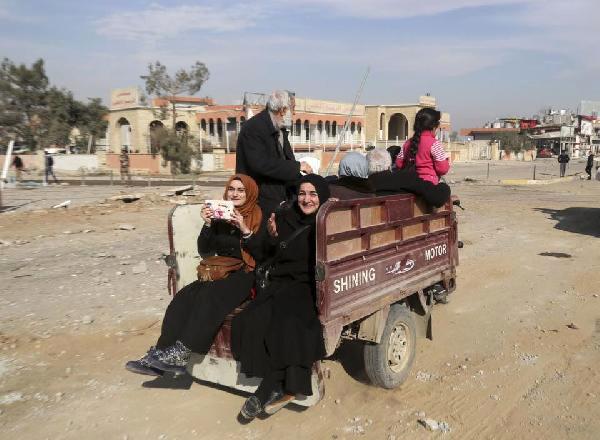 Musul'un doğu yakasına dönüşler devam ediyor