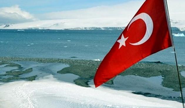 Antarktika'ya üs için ilk ekip yola çıktı