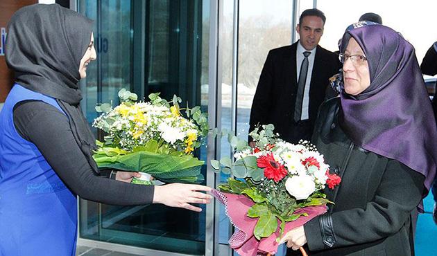 28 Şubat mağduru 22 yıl sonra çiçeklerle karşılandı