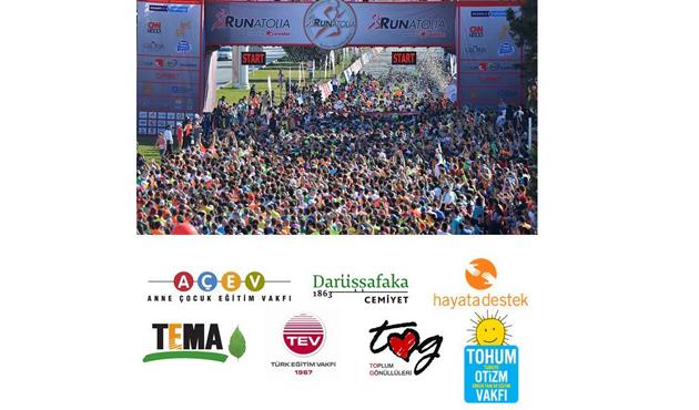 Antalya'daki Runatolia koşusunda Otizm'e destek