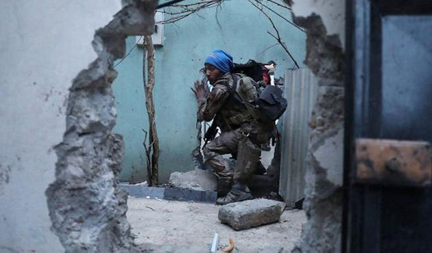 Musul Valilik binası DEAŞ'ta geri alındı