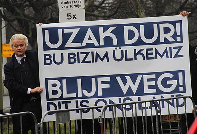 Hollanda'da ırkçı liderden Türkiye karşıtı gösteri