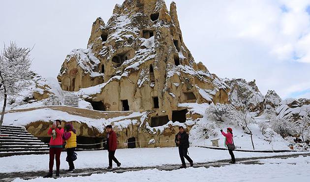 Kapadokya beyaza büründü   FOTO
