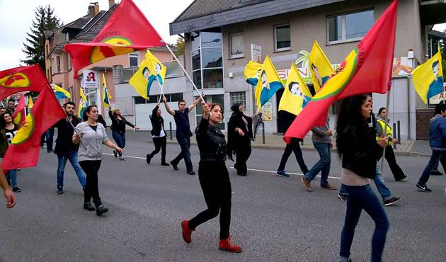 Almanya PKK topunu Frankfurt'a attı