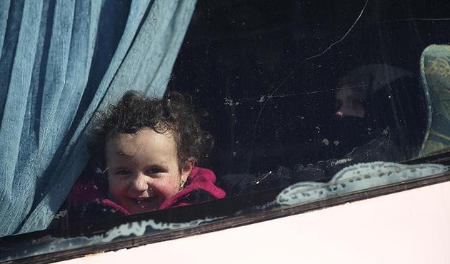 Vaer'den tahliye edilen bin 354 sivil Cerablus'ta
