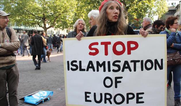 Görmez AB'deki İslamofobiye dikkat çekti