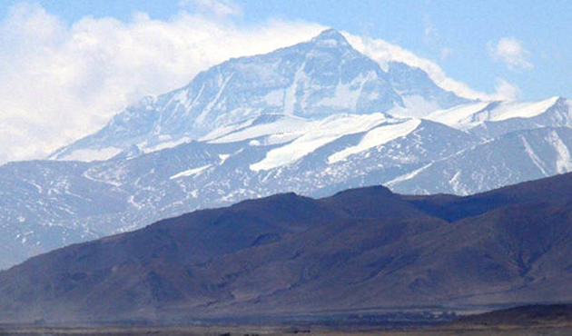 Everest'te büyük bahar temizliği