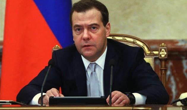 Medvedev'den Türkiye'ye kısıtlamaların kaldırılmasıyla ilgili açıklama