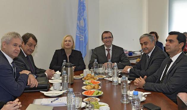 Kıbrıs'ta müzakereler 2 ay aradan sonra yeniden başladı