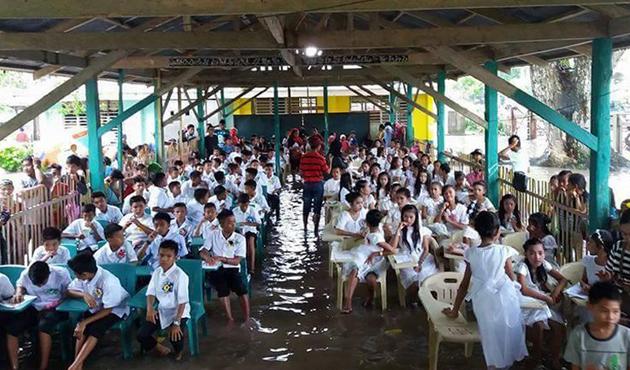 Filipinler'de sel: 10 ölü