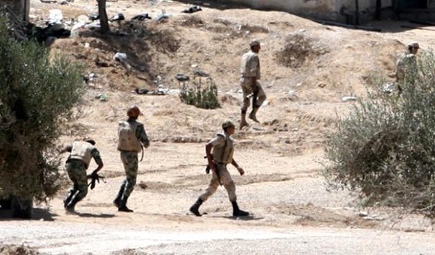 Mısır'ın Sina Yarımadası'nda polis konvoyuna saldırı