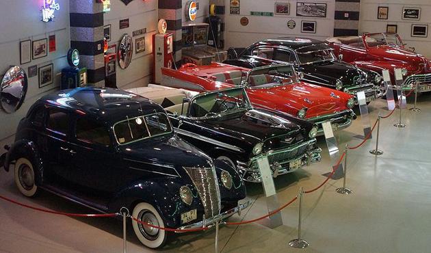 Klasik otomobil tutkunlarını buluşturan müze