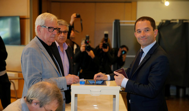 Fransa'daki seçimlere katılım yüzde 28