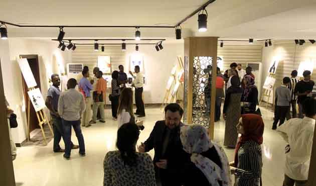 Sudan'da Karikatürist Osman Turhan'ın sergisi açıldı