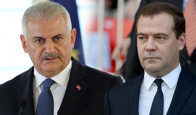 Yıldırım'dan Medvedev'e gemi kazası için telefon