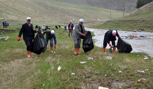 Sarıkamış'ta 'Şehitler Diyarını Temiz Tutalım' kampanyası