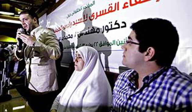 Mursi'ye uygulanan ziyaret yasağı devam ediyor
