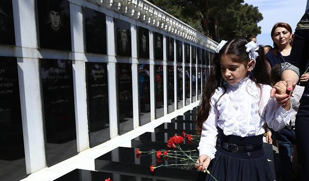 Azerbaycan'da Şuşa şehitleri anıldı | FOTO