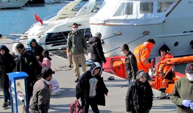 İzmir'de 66 göçmen yakalandı
