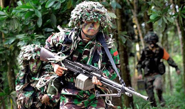 Endonezya'da askeri tatbikattaki kazada 4 asker öldü