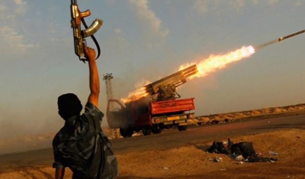 Libya'da Savunma Bakanının istifası istendi