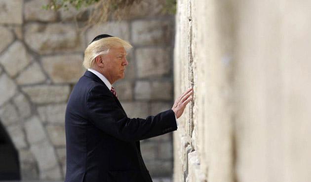 Trump Kudüs'teki kutsal mekanları gezdi