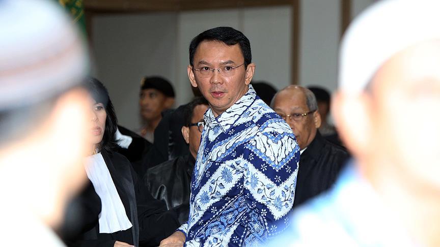 Endonezya'da İslama hakaret eden validen istifa