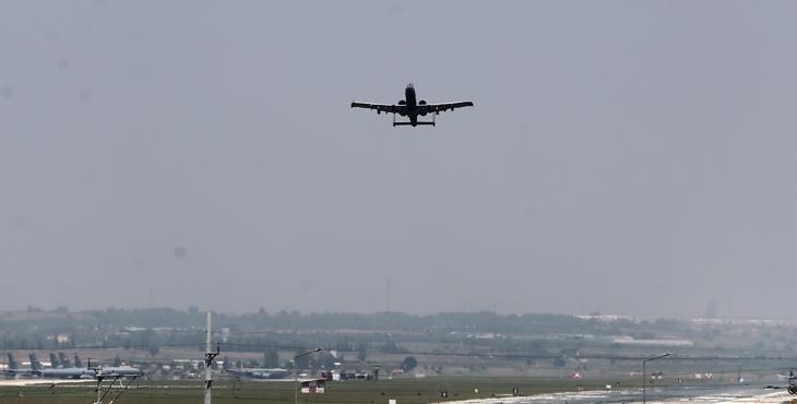 İncirlik'te uçak hareketliliği