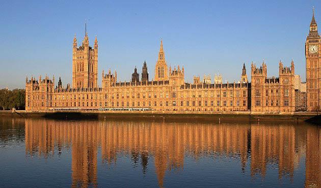 Birleşik Krallık'ta seçimin ardından iktidar senaryoları