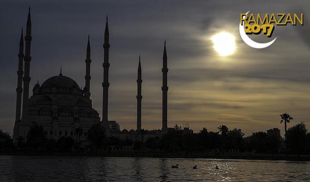 İtikaf için 4 bin 655 cami kapılarını açıyor