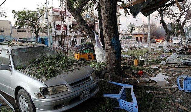 Somali'de restorana intihar saldırısı: 8 ölü