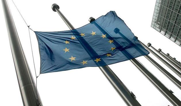 AB'den Karadağ ve Sırbistan için yeni fasıllar