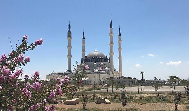 'Hala Sultan Camisi Kıbrıs'ın bir İslam beldesi olduğunun kanıtı'