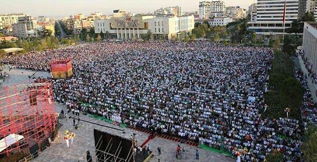 Balkanlarda Ramazan Bayramı coşkusu
