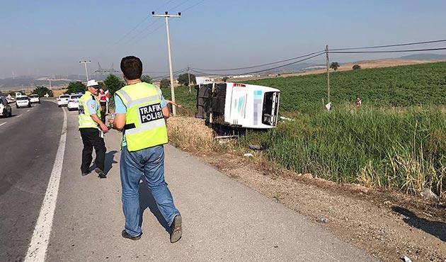 Susurluk'da yolcu otobüsü devrildi: 1 ölü, 45 yaralı