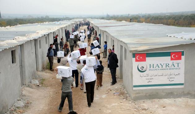 Türkiye ve Pakistan'dan Suriye'ye 6 tır yardım