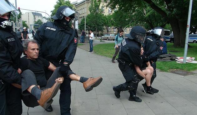 G20 protestoları Hamburg'u kilitledi