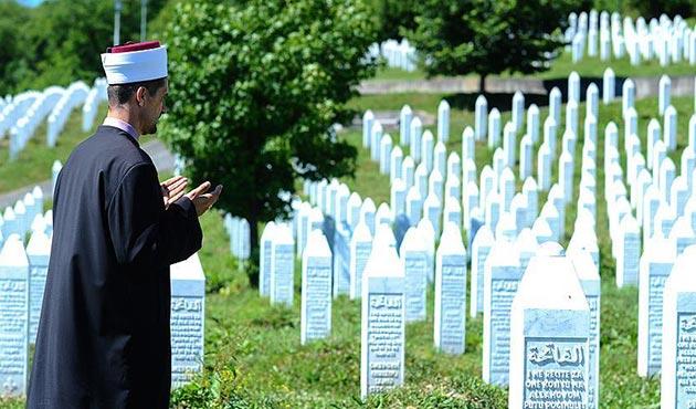 Srebrenitsa'da 25 imam katledildi | FOTO